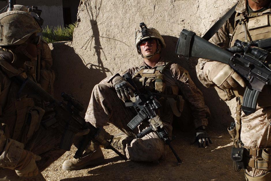 Этого солдата зовут Бреннан и он контужен