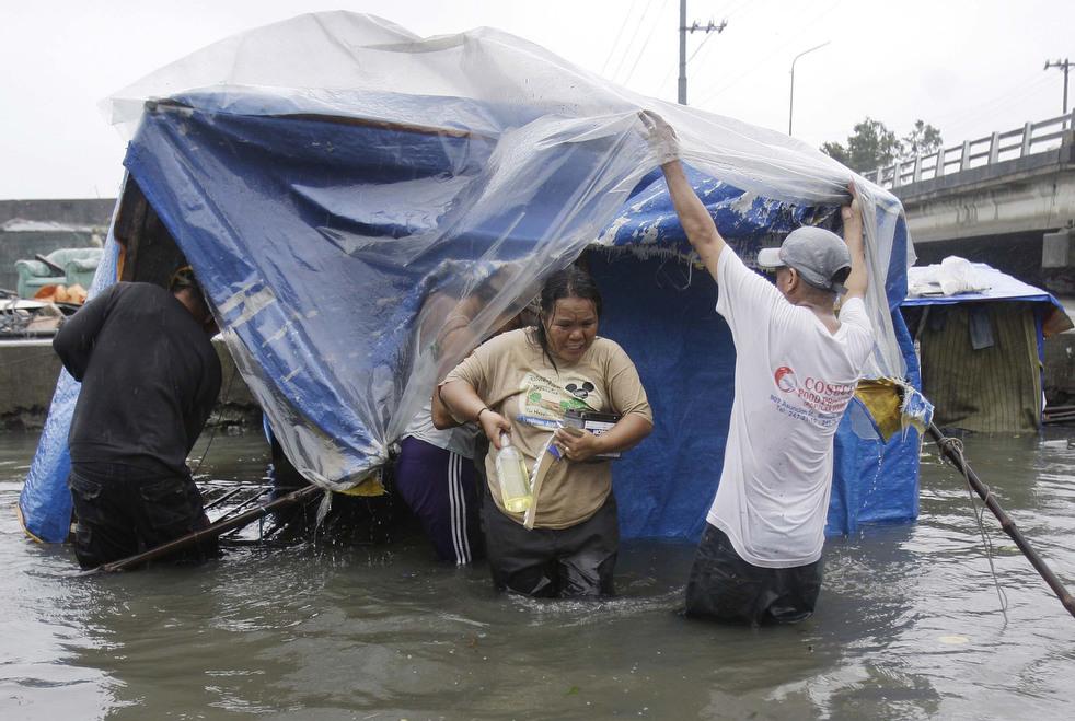 "201 Topan ""Nesat"" di Filipina"