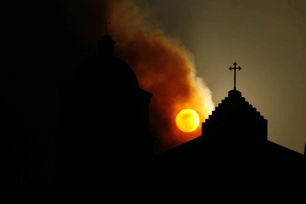 Sunsets 2042: Api di Langit