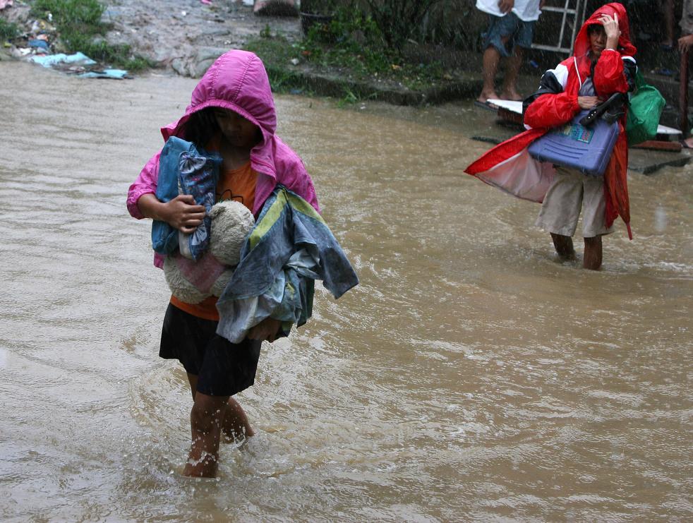 "212 Topan ""Nesat"" di Filipina"