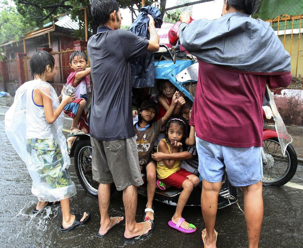 "Topan 29 ""Nesat"" di Filipina"