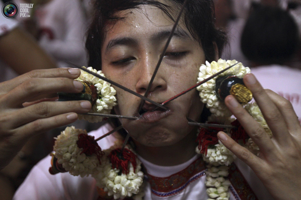 345 Vegetarian Festival di Thailand