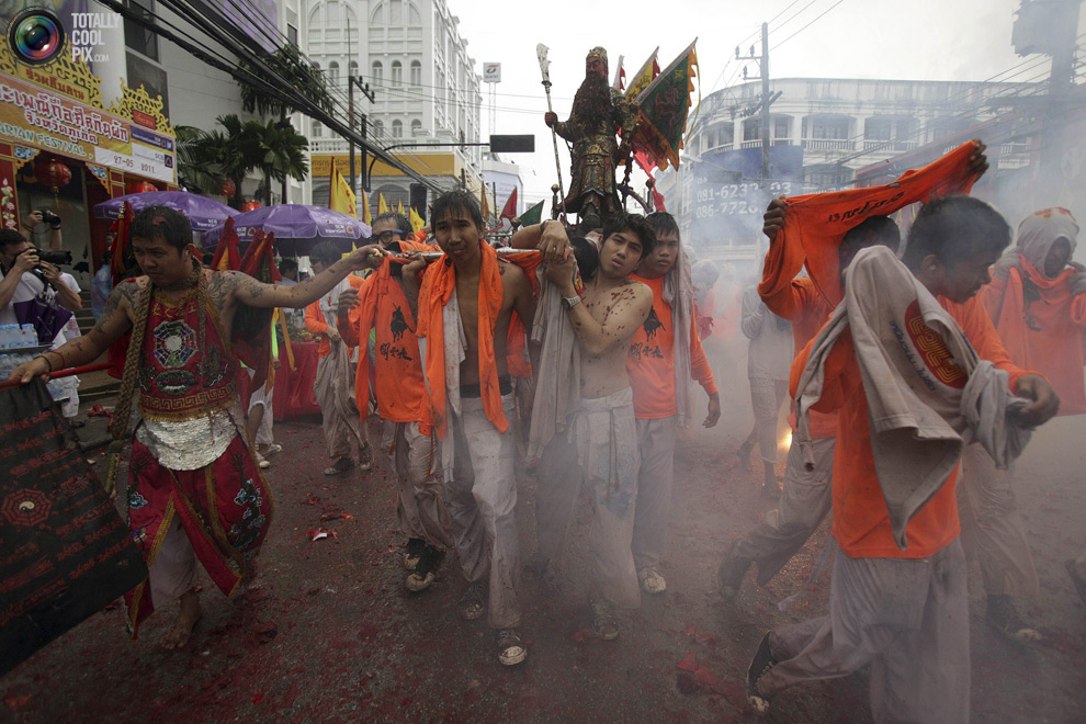 374 Vegetarian Festival di Thailand