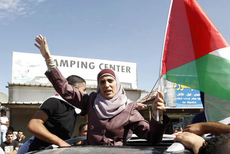 387 985 27 477 prisonniere palestinienne Femmes Gilad Shalit pulang ke rumah
