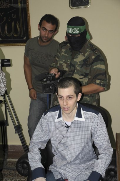387 994 Gilad Shalit quelques instants avant Gilad Shalit dikembalikan ke rumah