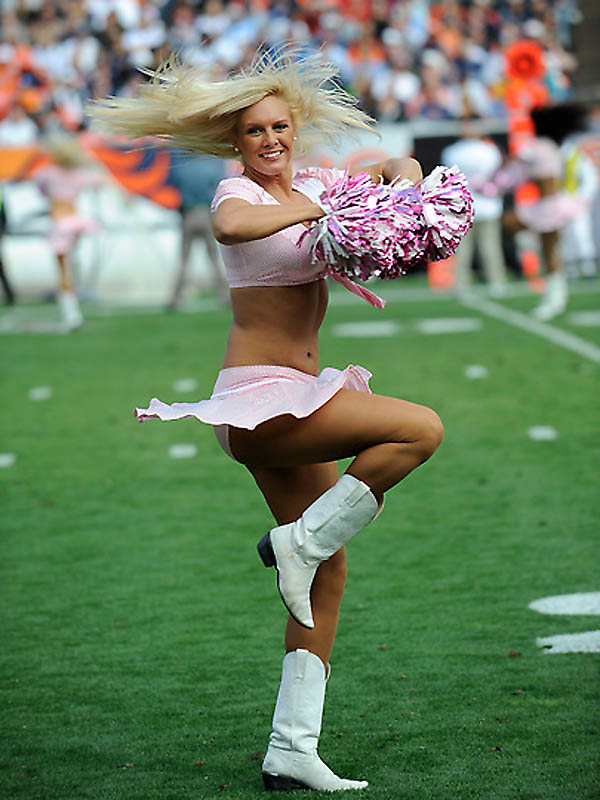 4220 NFL tim Cheerleaders