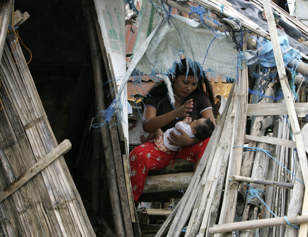"Topan 43 ""Nesat"" di Filipina"
