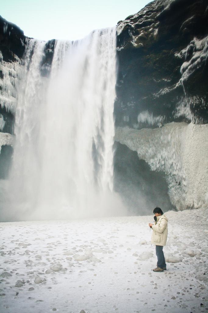 4622809345 43c6522a18 b Скогафосc самый знаменитый водопад Исландии