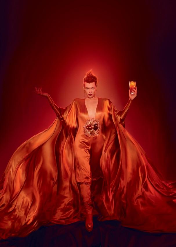 4757281 Milla Jovovich protagonizó para el calendario apocalíptico