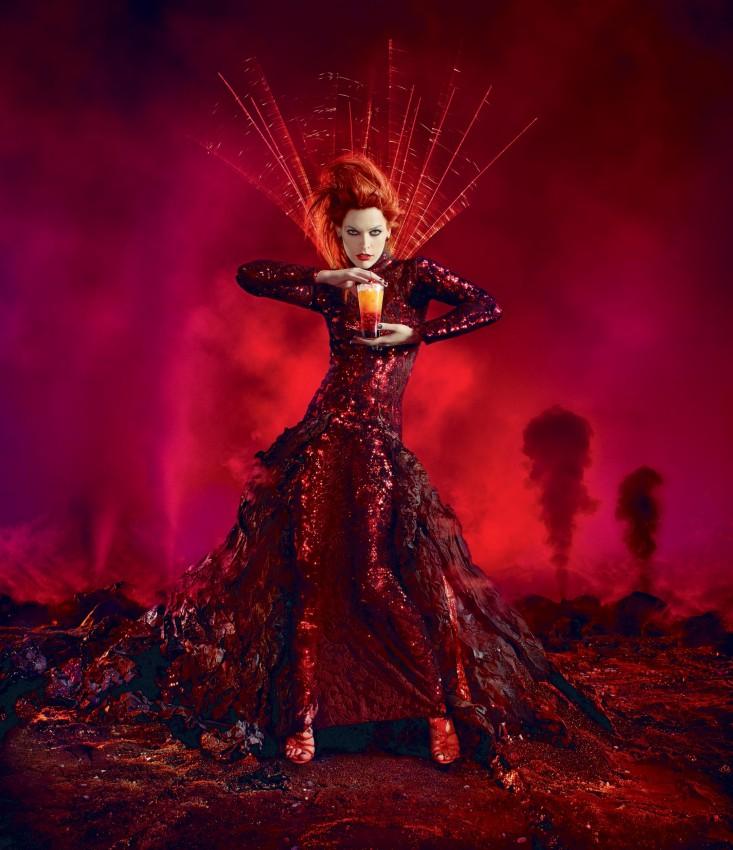 512 592 7 Milla Jovovich protagonizó para el calendario apocalíptico