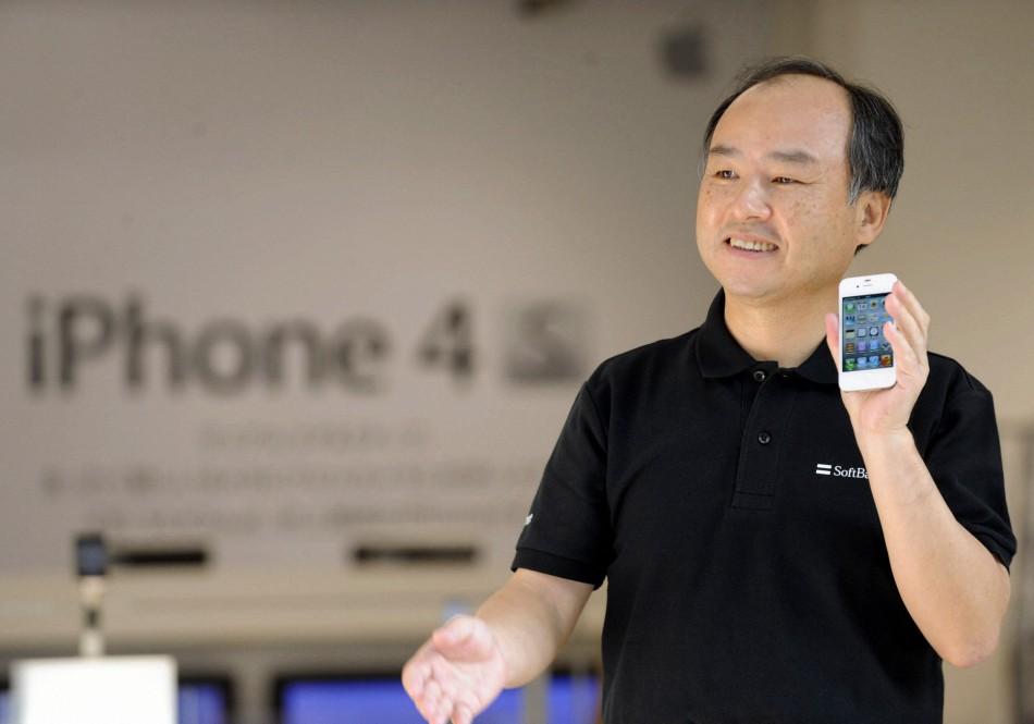 5283 Начались мировые продажи iPhone 4S
