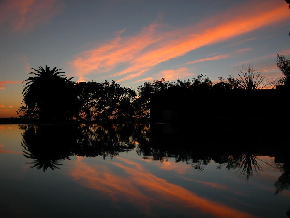 674 Matahari terbenam: Api di Langit