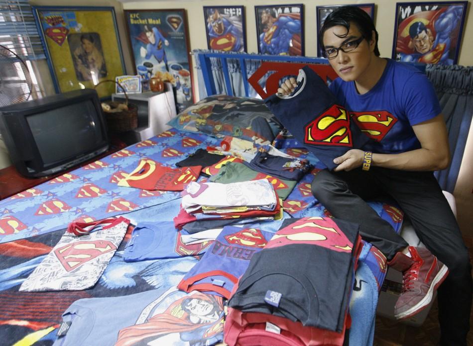 La operación plástica para ser parecido al Superman