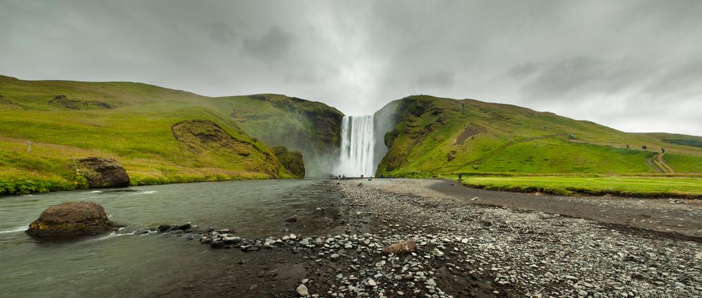 7987718266 8d86c74179 b Скогафосc самый знаменитый водопад Исландии