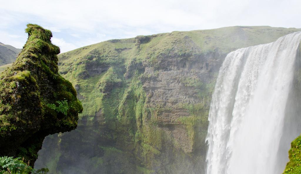 8232198051 25d7e5fe6f b Скогафосc самый знаменитый водопад Исландии