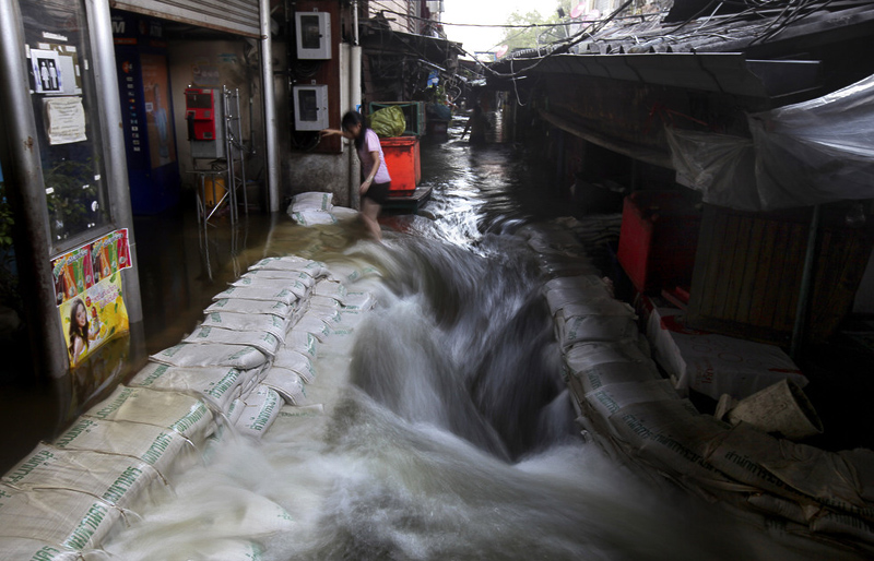 BIGPIC129 Наводнение в Таиланде: Бангкок под угрозой