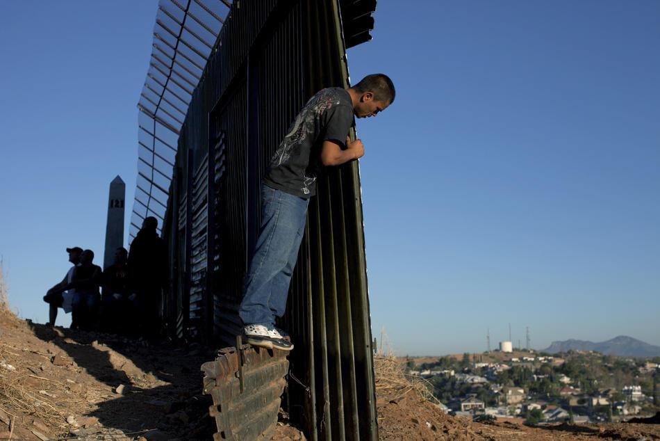 Hari kerja border01 AS-Meksiko perbatasan