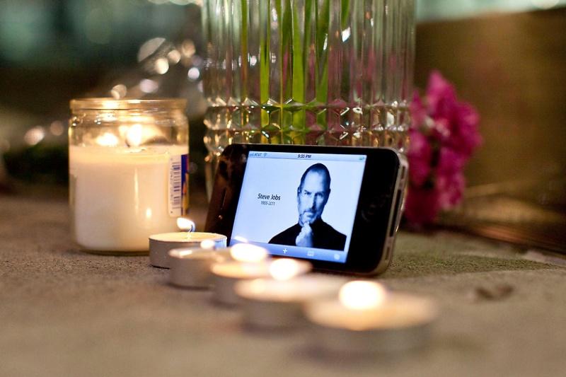 byesteve01 Мир скорбит о смерти Стива Джобса