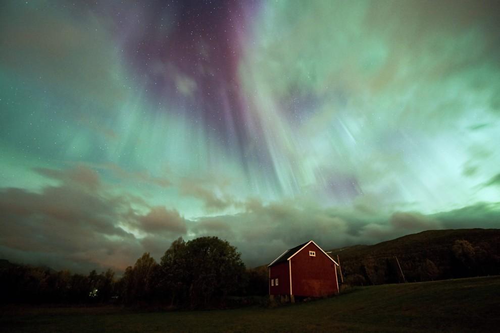 light 3 990x660 Сказочные небеса Норвегии