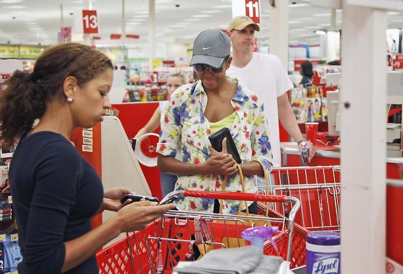 mrsobama02 Michelle Obama di supermarket dan tidak hanya