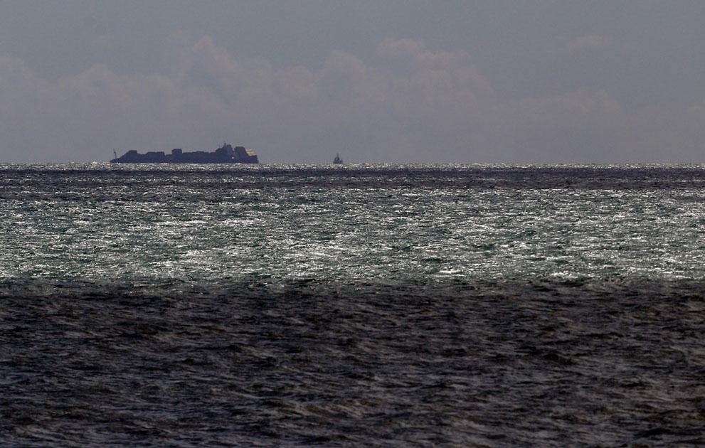 s n05 10.140.371 tumpahan minyak di lepas pantai Selandia Baru