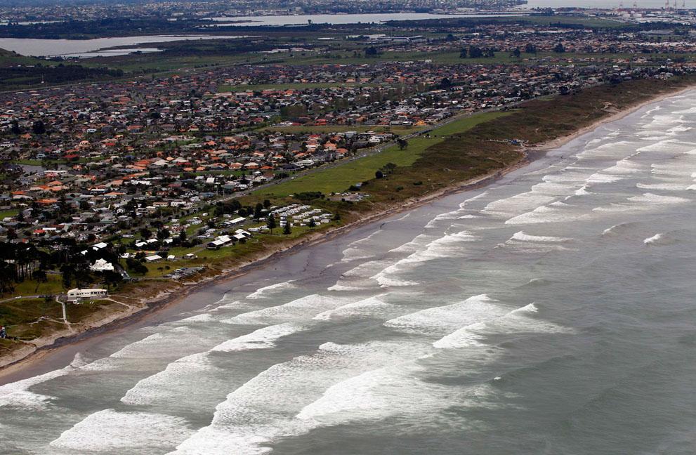 s n06 10.130.448 tumpahan minyak di lepas pantai Selandia Baru