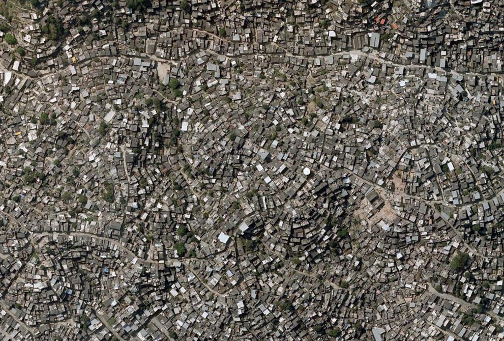 s S35 00000Rio populasi bumi pada bulan Oktober mencapai 7 miliar