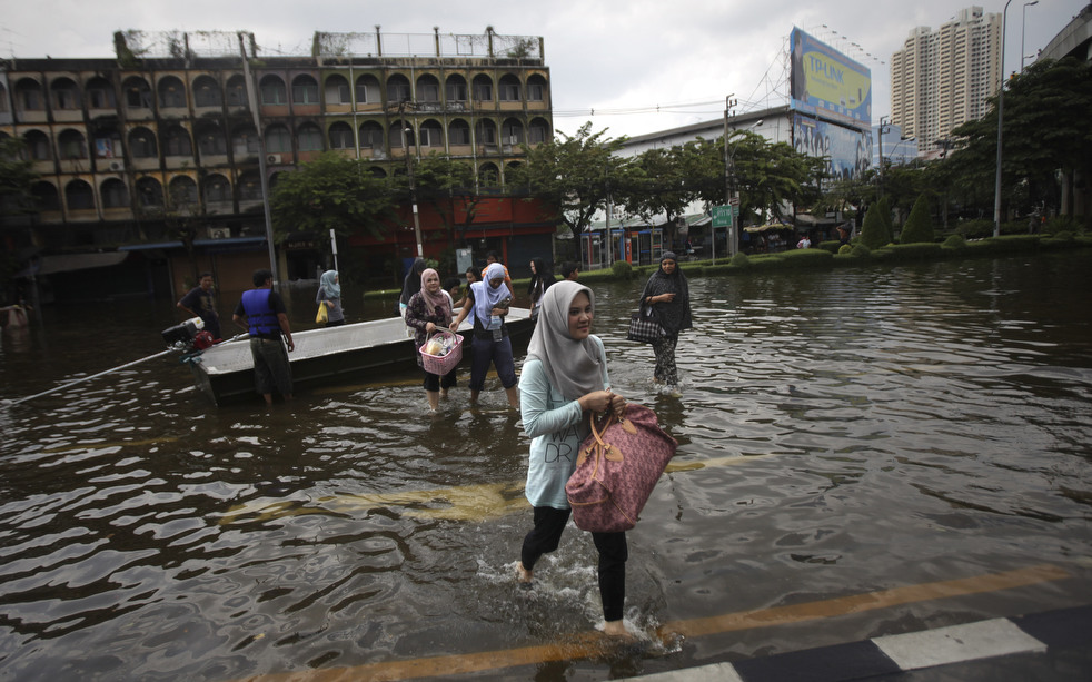 thailand flood 1027 18 Наводнение в Таиланде: Бангкок под угрозой