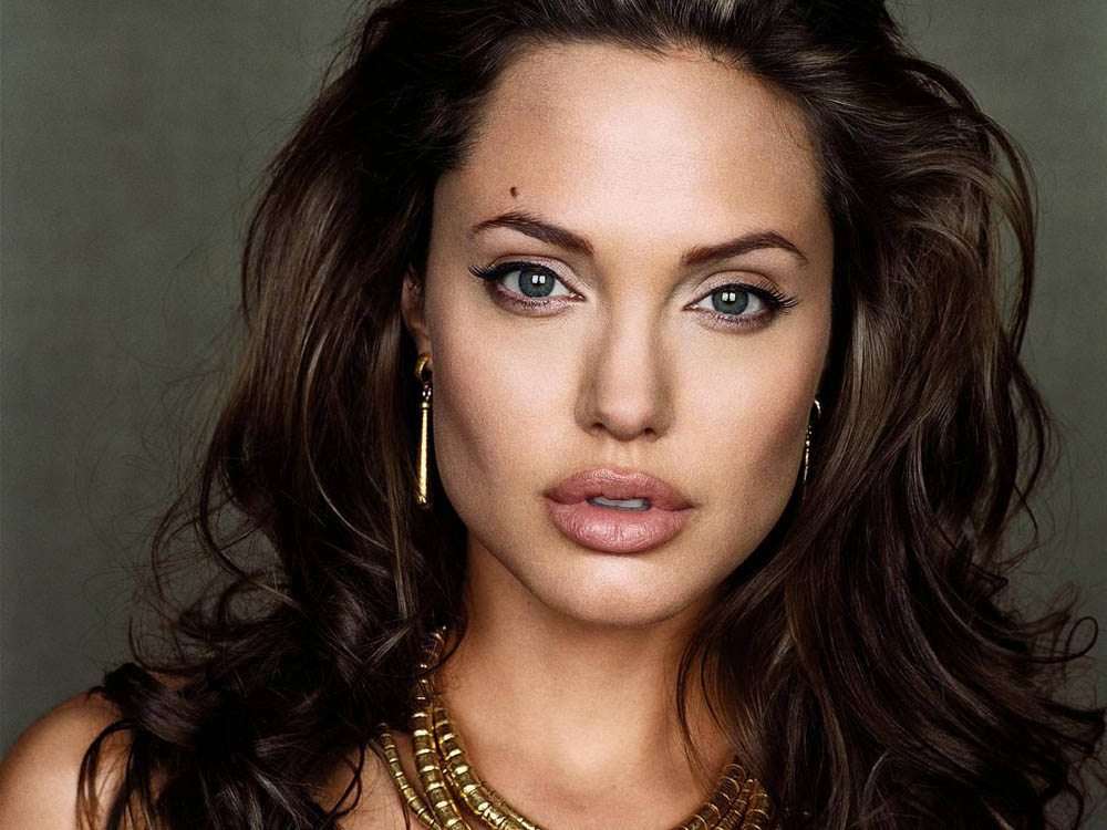 top02 10 самых высокооплачиваемых актрис Голливуда (версия Forbes)