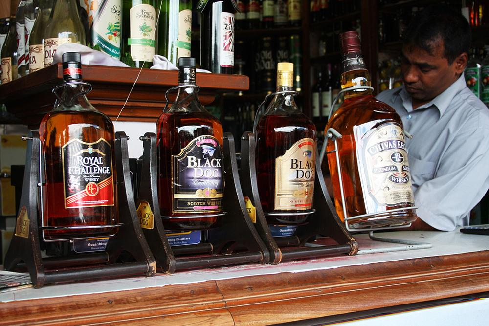 показом самые большие бутылки с алкоголем фото всего