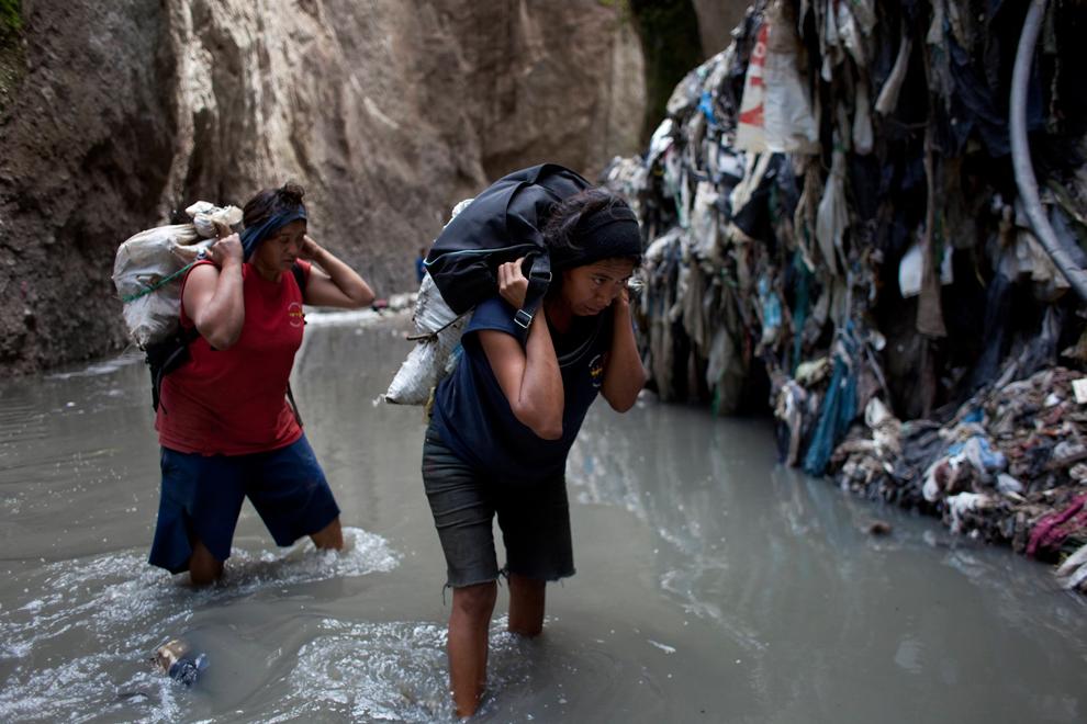 Как в Гватемале добывают металлолом