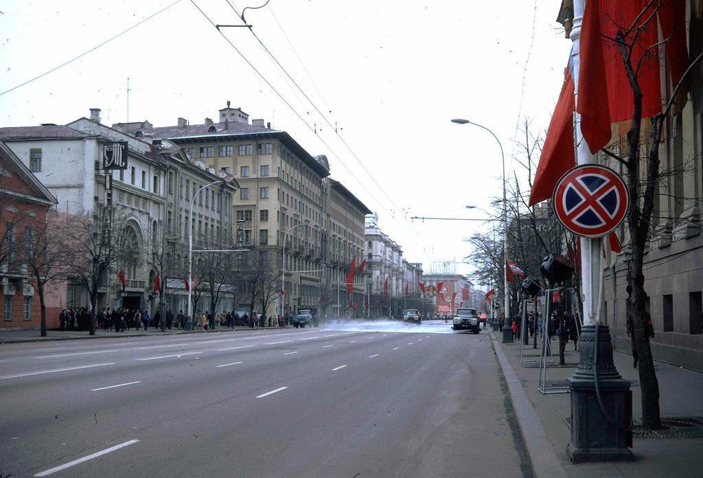1057 Москва 1982 года: семнадцать мгновений весны