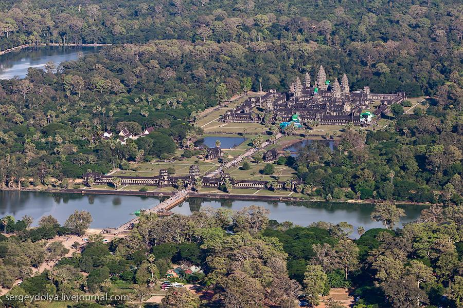 11013 Ангкор Ват с вертолета