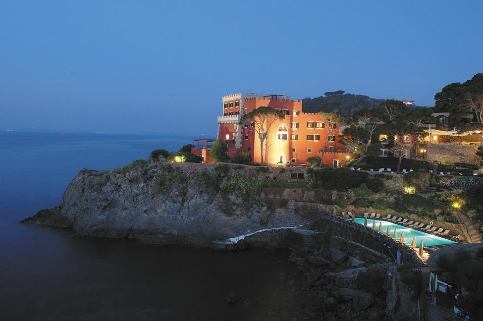 Волшебный отель Mezzatorre Resort & Spa в Италии