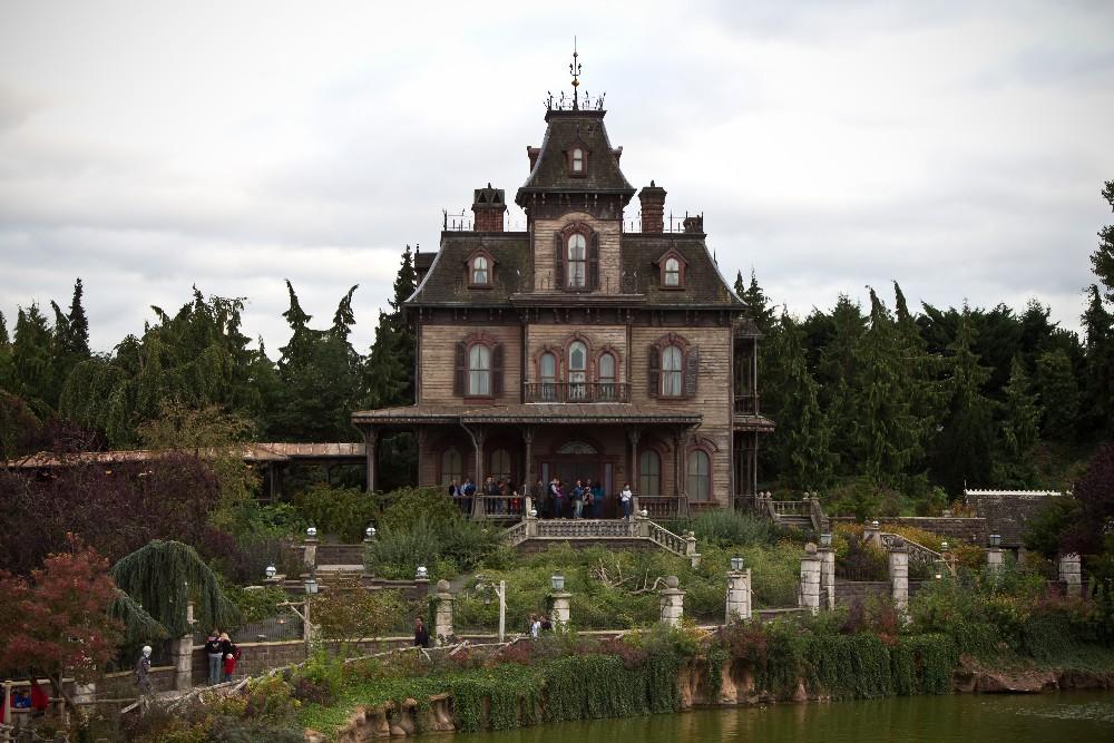 12106 Disneyland Paris: Парижский Диснейленд