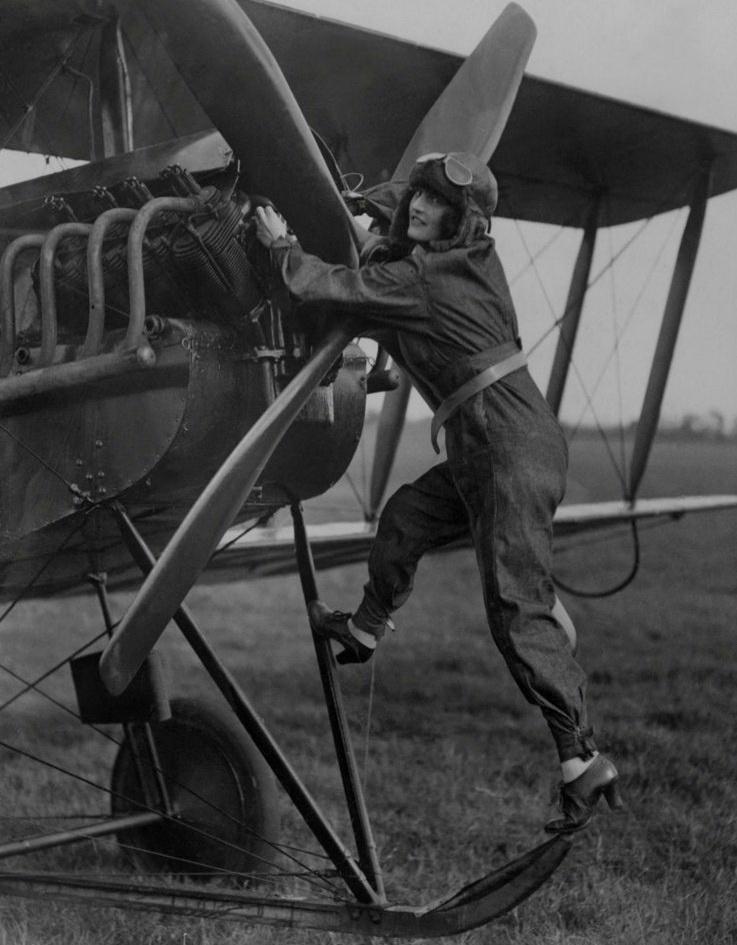 1292 Женщины пилоты прошлого