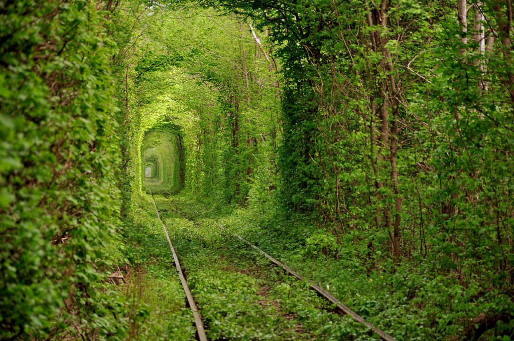 1399 Тоннель любви