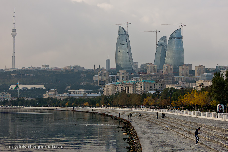1604 Современный Баку