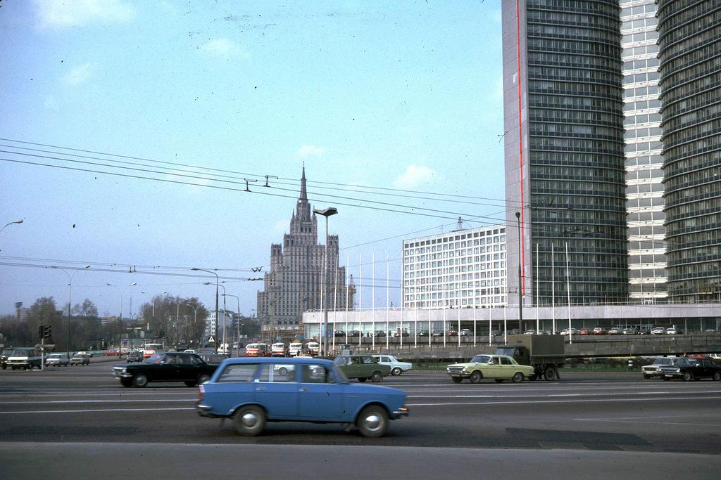 1642 Москва 1982 года: семнадцать мгновений весны