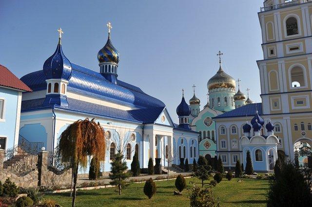 певицы знала мужские монастыри украины действующие фото деревянной металлической изгороди