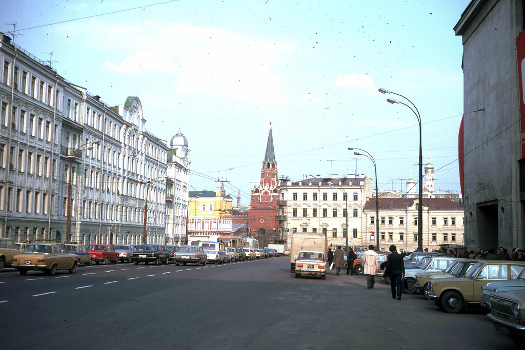 1740 Москва 1982 года: семнадцать мгновений весны