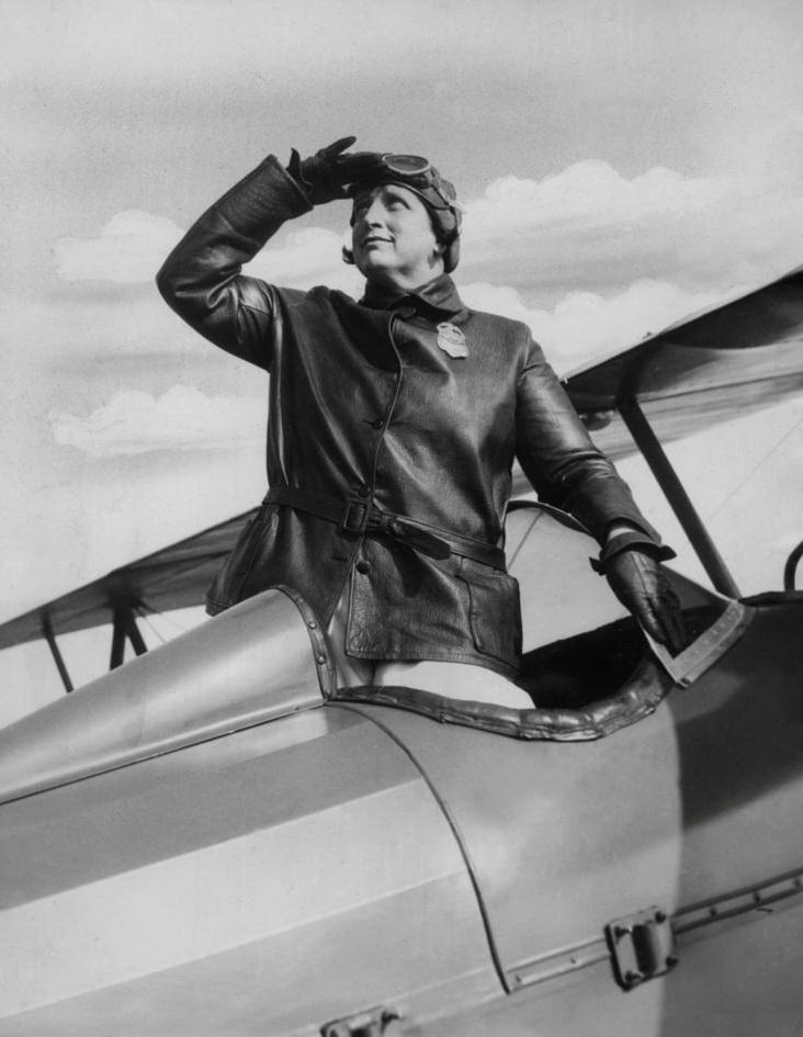 1758 Женщины пилоты прошлого