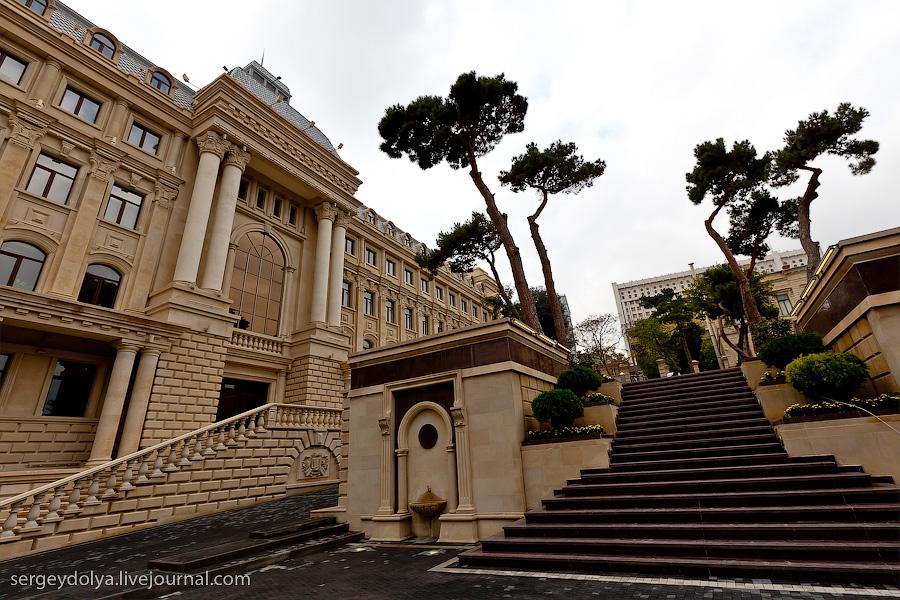 1793 Современный Баку