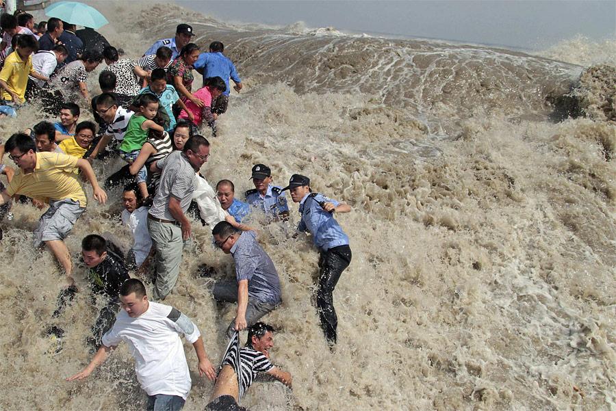 18 113 foto terbaik Reuters di 2011 (Bagian 2)