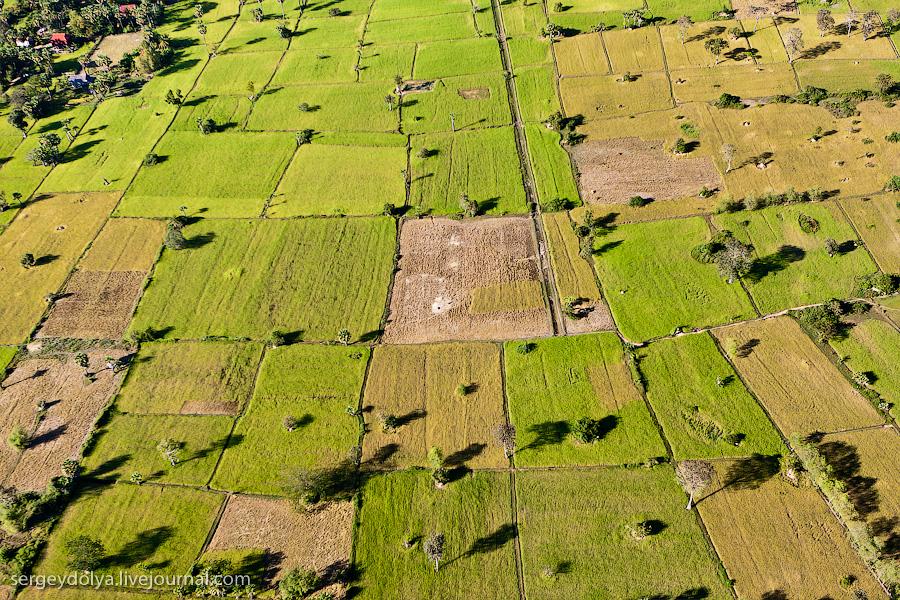 19 109 Angkor Wat dari helikopter