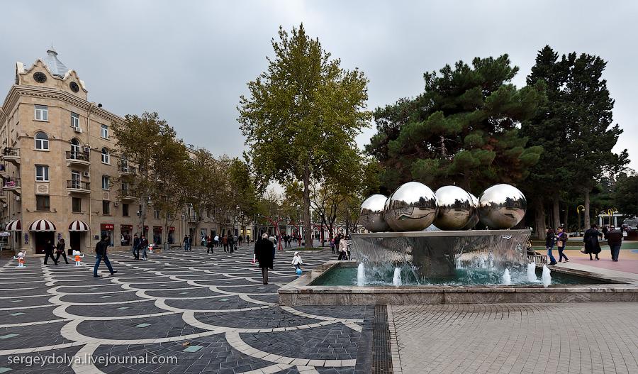 2553 Современный Баку