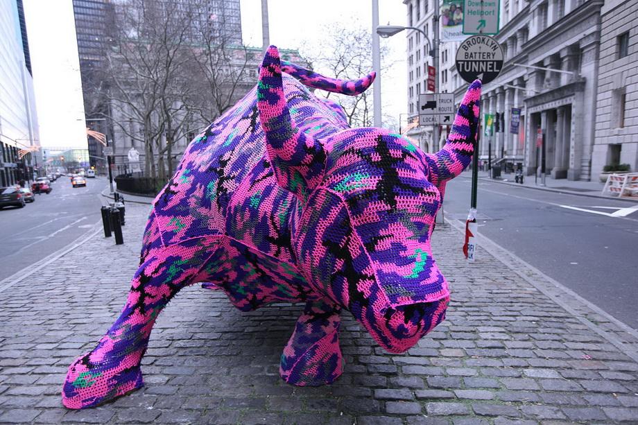 2574 Urban knitting   Шерстяной стритарт