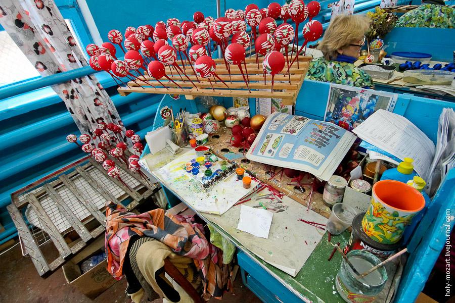 2735 Фабрика ёлочных игрушек