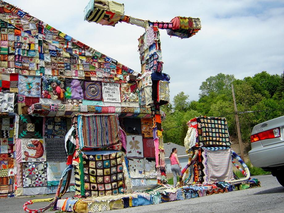 2768 Urban knitting   Шерстяной стритарт