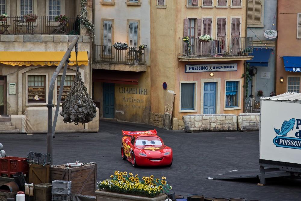 2832 Disneyland Paris: Парижский Диснейленд